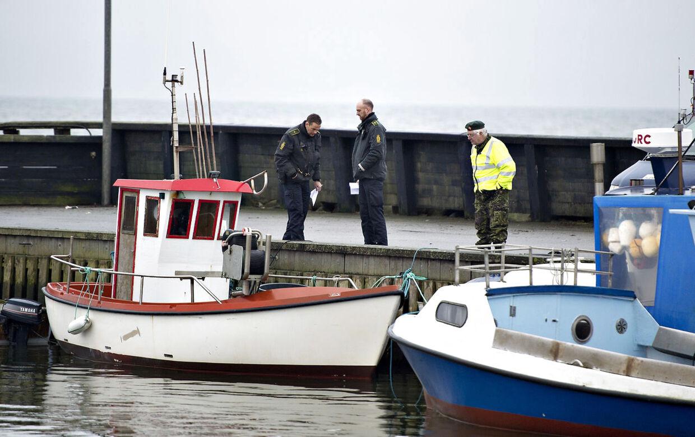 Smugler dræbt i Ålbæk Havn. Her ses havnen i Ålbæk, hvor politiet er i gang med undersøgelser. (Foto: Henning Bagger/Scanpix 2013)
