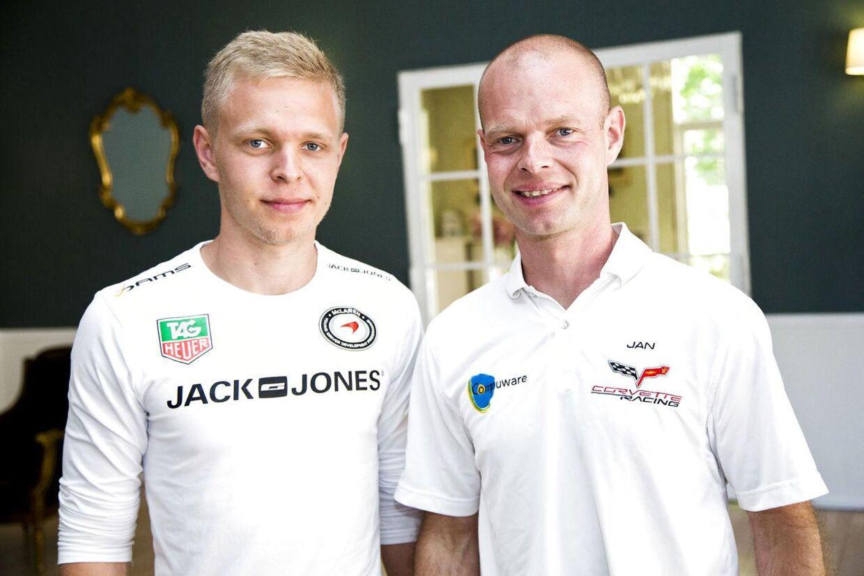 Jan Magnussen roser sin søn for måden, han har håndteret presset i Formel 1 på.