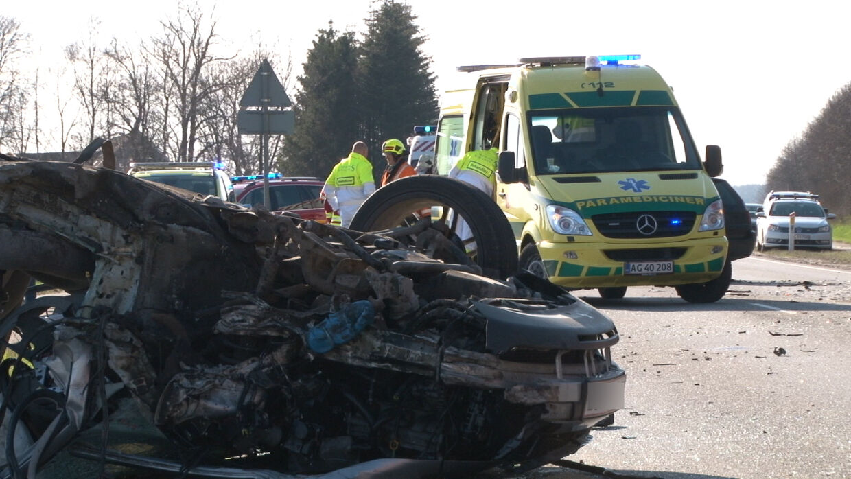 Bilen, der blev ført af den formodede spritbilist, endte på taget.