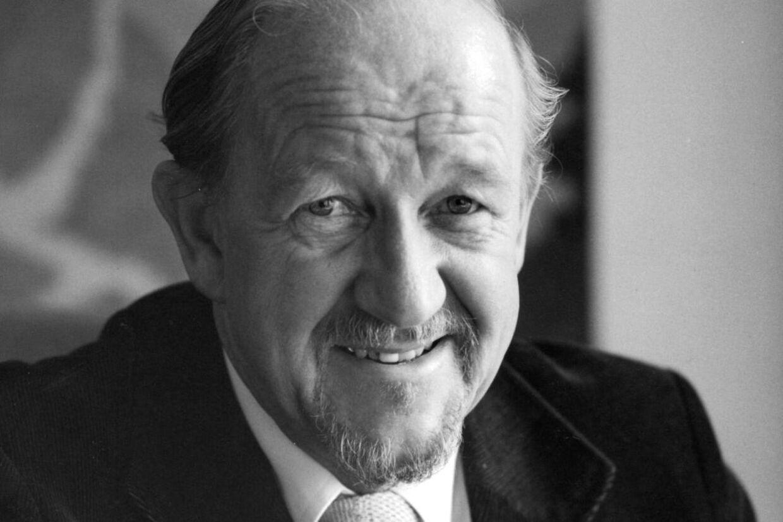 Socialdemokraten Erik Holst er død, 90 år
