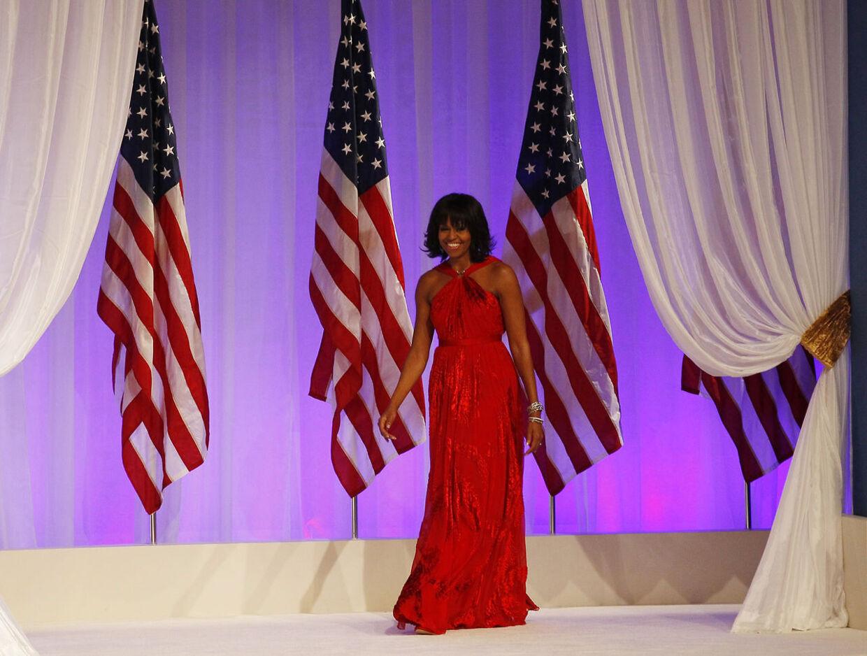 Lady In Red - Michelle Obama iført en forførende, rød Jason Wu kjole ved Obamas indsættelsesfest i sidste måned.