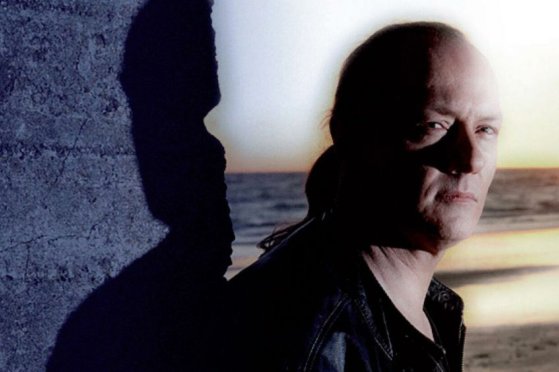 FS Orlonn er fra Jylland. Menden danske guitarist lyder somom, han er fra den amerikanske vestkyst