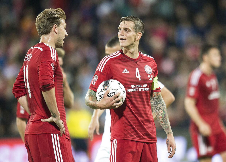 Den 03.09.2014 var der landskamp mellem Danmarkog Tyrkiet. Hvem skyder straffe? Det gør anføren da! Daniel Agger mod Nicklas Bendtner.