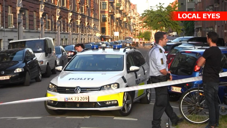 Politiet mødte talstærkt op, efter anmeldelsen om masseslagsmål ved Islands Brygge i København.