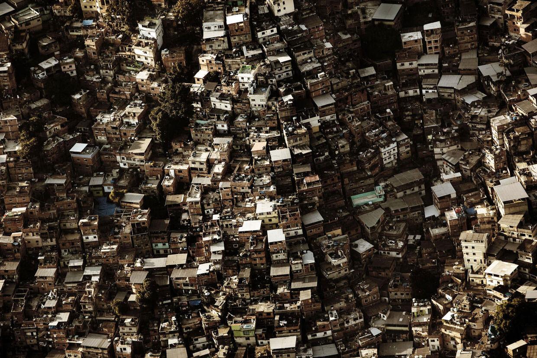 3. Favelaen Rocinha er et kaotisk virvar af huse bygget på en bjergskråning i udkanten af Rio de Janeiro.