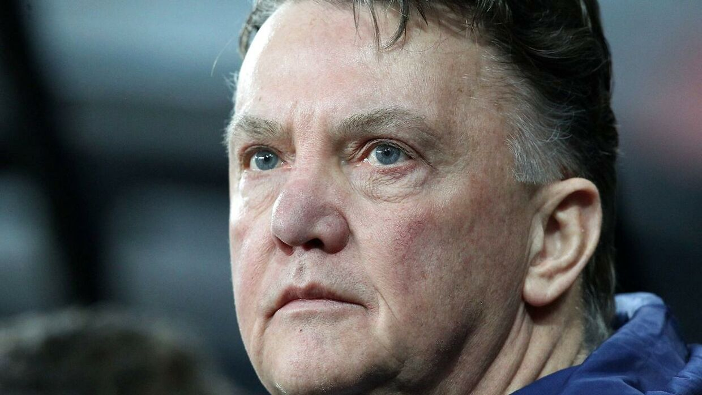 Kan Louis Van Gaal tåle et nyt nederlag? Eller har United-ledelsen besluttet sig for, at hollænderen under alle omstændigheder sidder i sædet sæsonen ud?