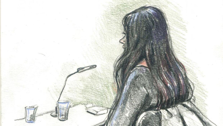 Tegnning fra retssagen mod en 31-årige sygeplejerske fra Nykøbing Falster, der er tiltalt for at have slået flere patienter ihjel.