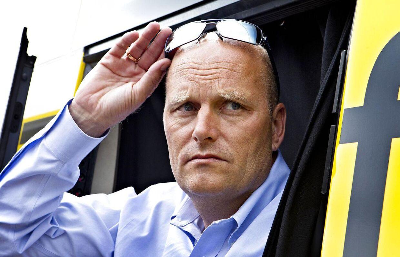 Bjarne Riis vil gerne ind på et nyt storhold, og han har pengene med. Men foreløbigt er der ingen, der vil lege med ham.