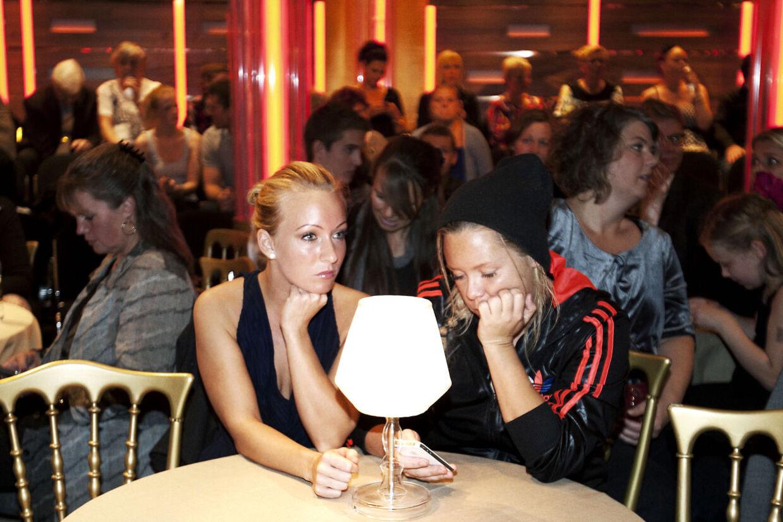 En mut Linda P. sneg sig til Vild med dans med kæresten fredag.