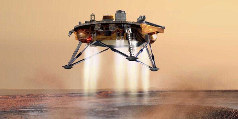 Rumfartøjet Phoenix fandt i 2007 is på Mars. En vigtig ingrediens, hvis der skal være liv. Nu er der fundet gas, som er tegn på levende organismer.