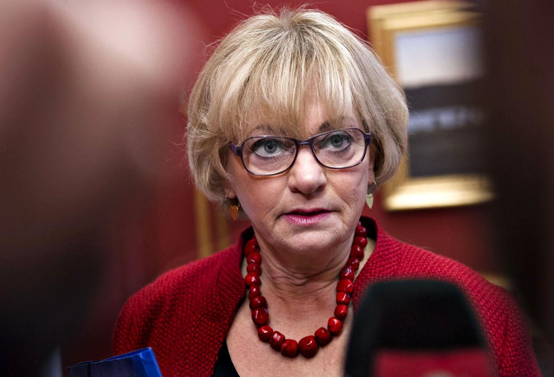 DF's værdiordfører, Pia Kjærsgaard, er blevet nægtet adgang fra det sociale netværk Facebook, efter hun har postet et kritisk indlæg om statsminister Helle Thorning-Schmidt (S).
