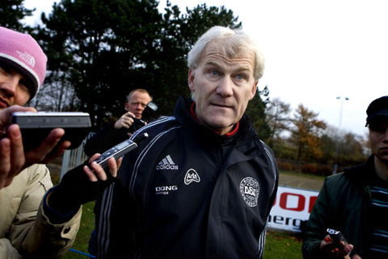 Morten Olsen vil ikke være landstræner og spille 4-4-2.