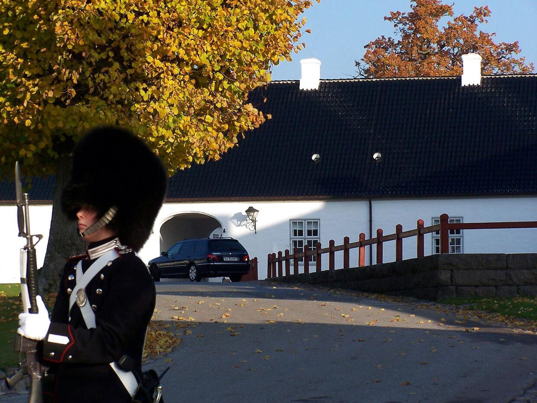 Fredensborg Slot. Kancellihuset - Kronprinsparrets andet hjem.