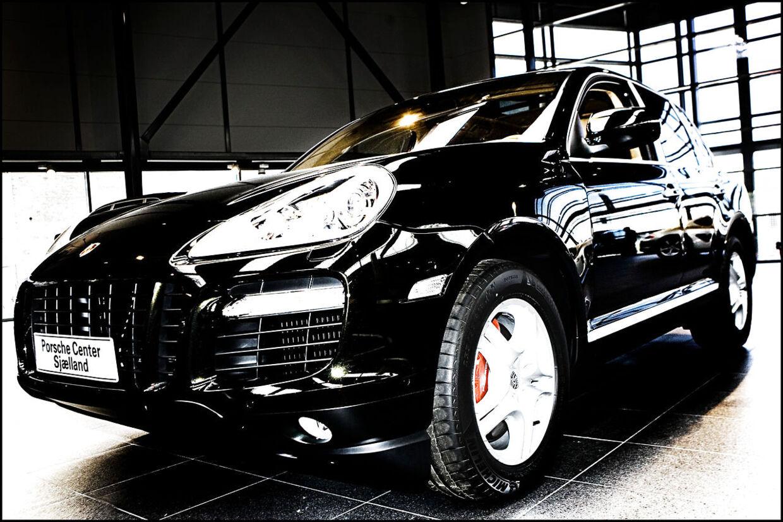 Nordsjællands Politi konfiskerede en sort Porsche Cayenne, som en 53-årig mand havde meldt stjålet. Problemet er bare, at det ikke var hans bil, politiet havde fået fingrene i. Arkivfoto. (Foto: Sigrid Nygaard)