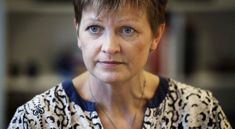 Miljø- og fødevareminister Eva Kjer Hansen (V) får igen kritik for at have ydet vennetjenester på bekostning af miljøet.