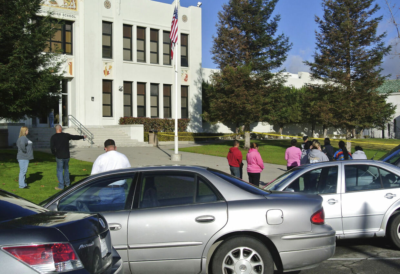 Skoleskyderiet skete på en High School i byen Taft i Californien.