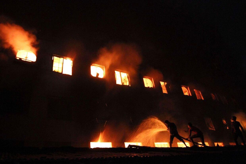 Voldsom brand i Bangladesh