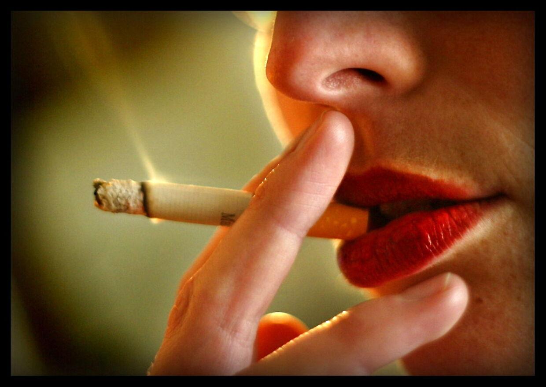 ARKIVFOTO af ryger- - Se RB 20/5 2012 04.05. Forskere ønsker en slutdato for rygning Landets magthavere bør fastsætte en dato for, hvornår rygning ikke længere skal eksistere i Danmark. (Foto: JØRGEN JESSEN/Scanpix 2012)