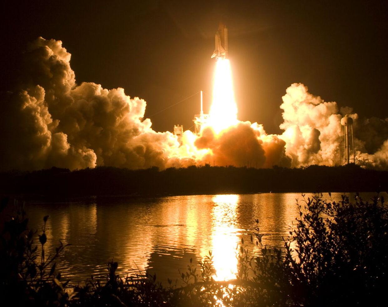 Flot så det ud da rumfærgen Discovery endelig blev sendt afsted.