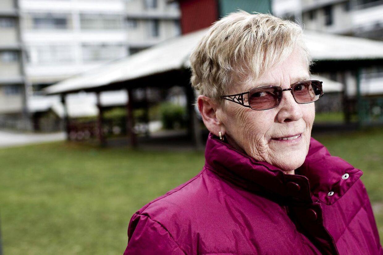 Formand for afdelingsbestyrelsen i boligforeningen Egedalsvænge Karin Leegaard Hansen vælger nu efter trusler at flytte fra området