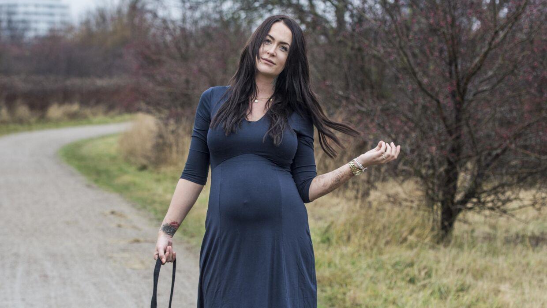 Stephanie 'Geggo' Christiansen medvirker sammen med sin mor, Linse Kessler, og mormor, Ann, i realityprogrammet 'Familien fra Bryggen', der bliver sendt på TV3.