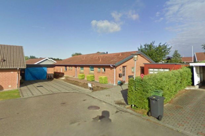 Det er dette hus, som Esbjerg Kommune vil indrette som bosted for seks tavngsfjernede søskende. Beboerne på Jupitervænget i Sønderris ved Esbjerg har dog protesteret, da de mener, at det vil skabe utryghed, støj og faldende boligpriser.