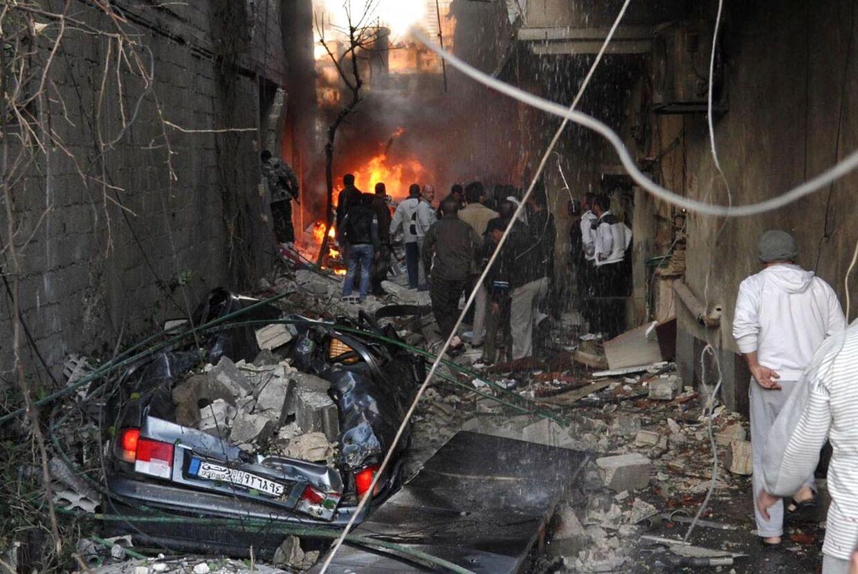 Scenerne var kaotiske efter at bilbomberne sprang i bydelen Jaramana.