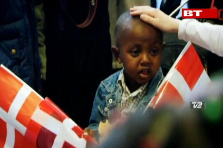 De to børn fra Etiopien falder ikke godt til hos familien i Holbæk.