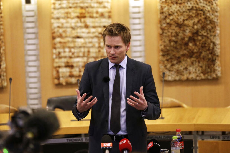 Den 31-årige Thomas Banke under torsdagens pressemøde i Fredericia.