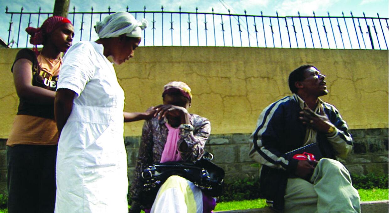 'Mercy, mercy - Adoptionens pris', sendes mandag den 26 november 2012. Her følger dokumentaristen Katrine W. Kjær forældrene Henriette og Gert fra Holbæk, der adopterer Masho og lillebroren Roba fra det afrikanske par Sinkenesh (mor) og Hussen (far). De biologiske forældre bor i Etiopien. Foto: Fridthjof Film