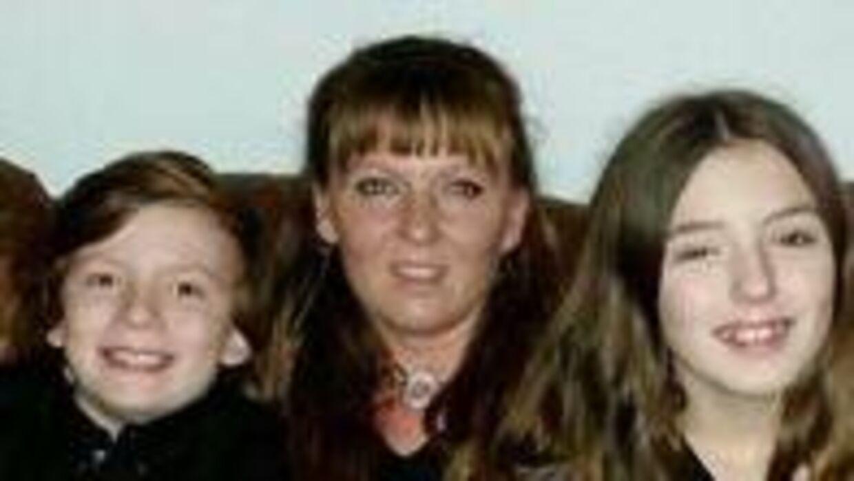 Rakel Ottsen og hendes to yngste børn mistede alt, da deres hjem brændte nytårsnat.