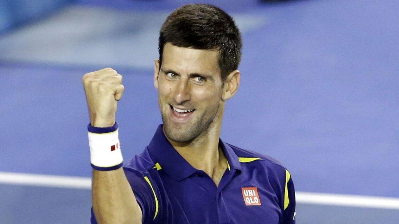 Serbiske Novak Djokovic jubler ovenpå sejren over Roger Federer i semifinalen ved Australian Open.