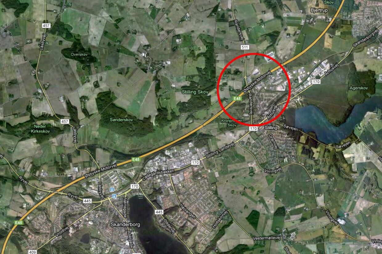 Harmonikasammenstøddet skete på motorvejen ved Stilling, nord for Skanderborg.