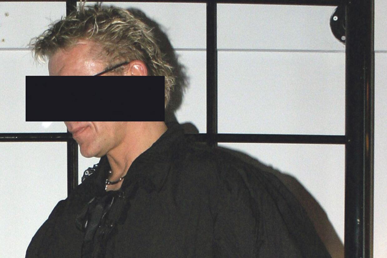 Den 48-årige ingeniør er i disse uger for retten i Lyngby, tiltalt i en sag med en lang række af eksempler på seksuel udnyttelse af helt unge - også mindreårige - piger.