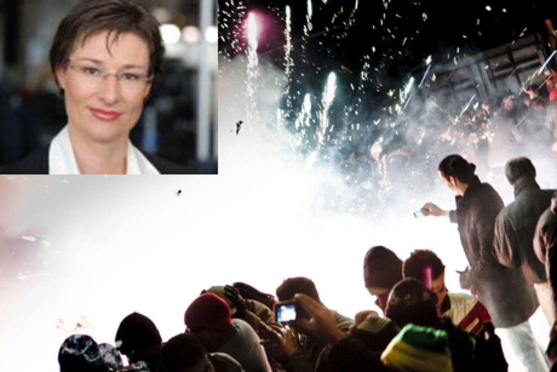 TV 2 News' reporter Lisbeth Davidsen fortæller om en turbulent nytårsaften på Rådhuspladsen.