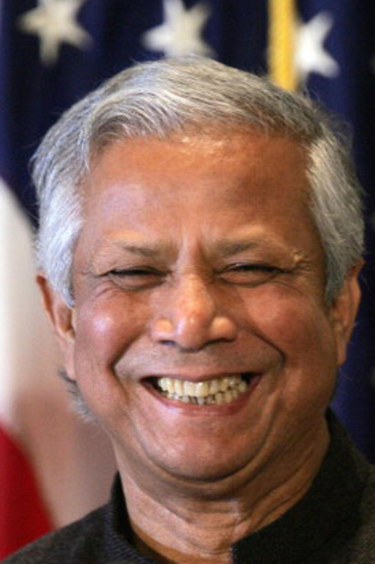 Muhammad Yunus, kommer direkte til Danmark efter at have modtaget Nobels Fredspris. Foto: AFP