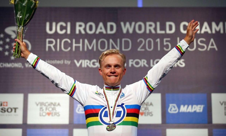 U23-verdensmesteren i enkeltstart, Mads Würtz Schmidt, vinder Danmarks Cykle Unions kåring som Årets Cykelrytter i 2015.