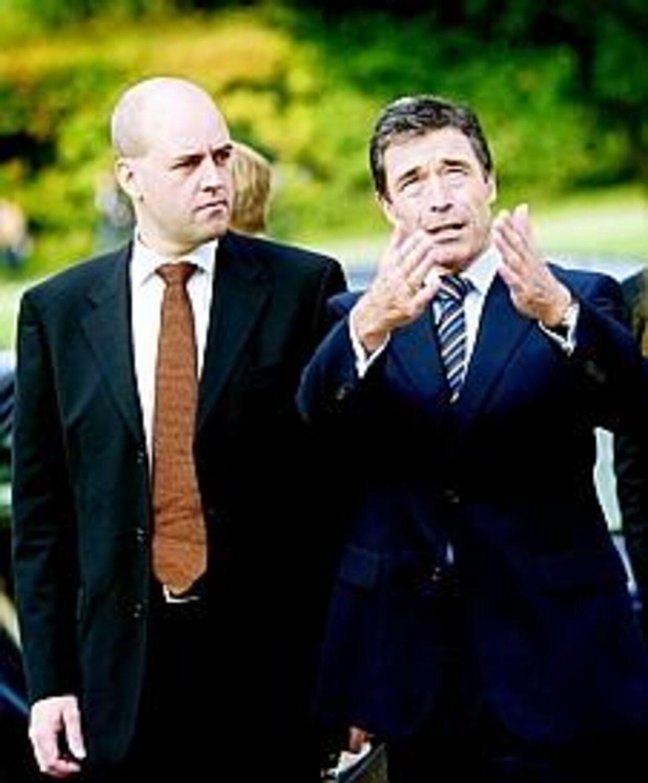 Den svenske statsminister Fredrik Reinfeldt vil ikke røre den danske indvandringspolitik med en ildtang. I Sverige er fremmede velkomne.