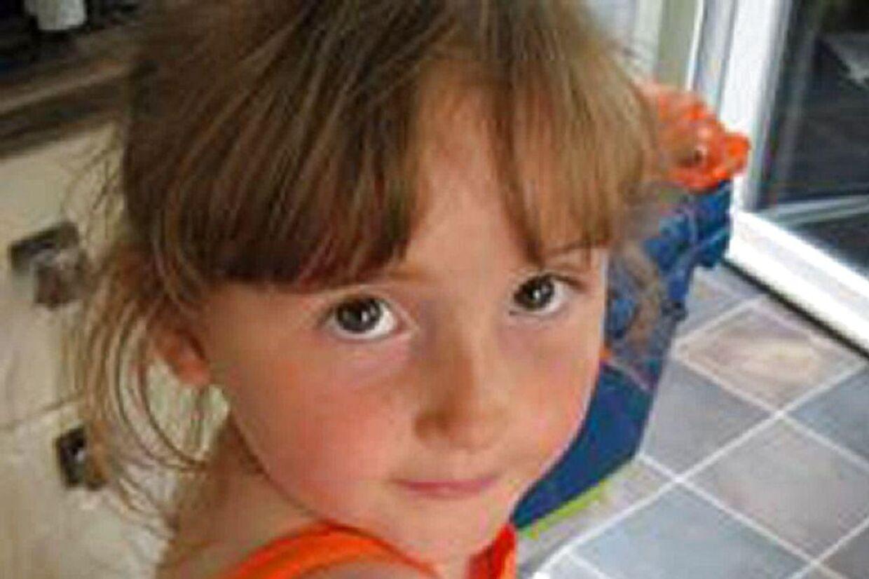 5-årige April Jones har været forsvundet i over tre måneder. Mandag nægtende en 47-årig mand i retten, at han havde kidnappet og dræbt hende. Samtidig tilstod han imidlertid, at han 'sandsynligvis er ansvarlig for hendes død.'