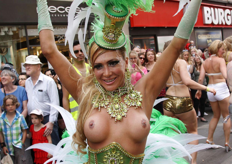 Karneval i København. Parade gennem Strøget til Rådhuspladsen lørdag den 26. maj 2012.