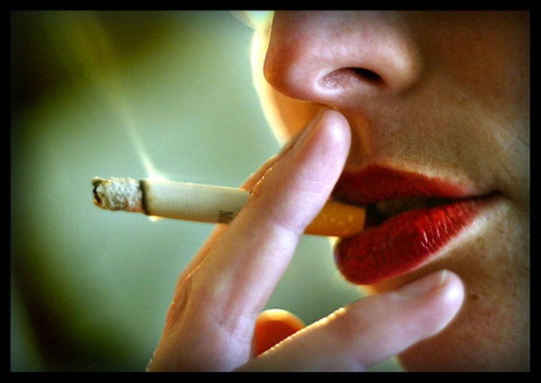 RØGEN LETTER: Rygning forkorter i gennemsnit levetiden med ni år, og hvis vi alle blev røgfri, ville der blive op imod 12 milliarder om året i ekstra udgifter til folkepension. Pensionsudgifterne stiger, når flere bliver ældre. Foto: Jørgen Jessen