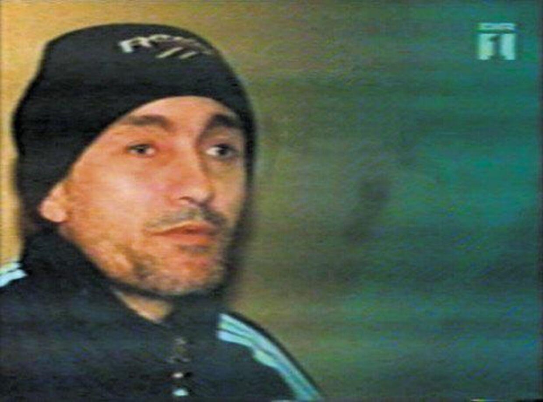 Abdul Aziz sidder fængslet i Moskva for grove forbrydelser i Tjetjenien. I sine dagbøger omtaler han en terrorist ved navn, der efter sigende flygtede til Danmark i fjor. Foto: TV2 og Jyllands-Posten.