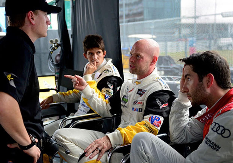 Jan Magnussen og teamkammerater i forbindelse med en test. (Pressefoto)