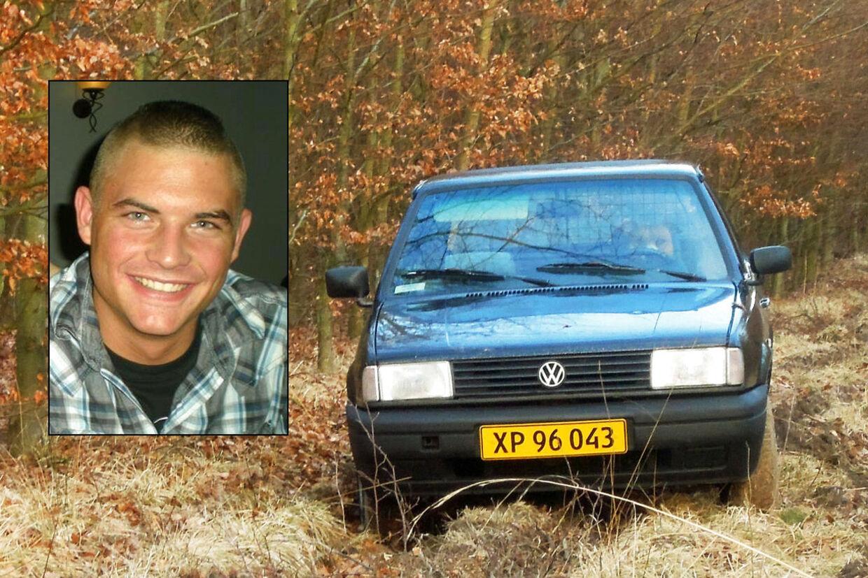 Den 22-årige Anders Mark Hansen blev lørdag den 3. marts fundet liggende på en skovvej bag sin parkerede bil, som hans hund stadig sad inde i.