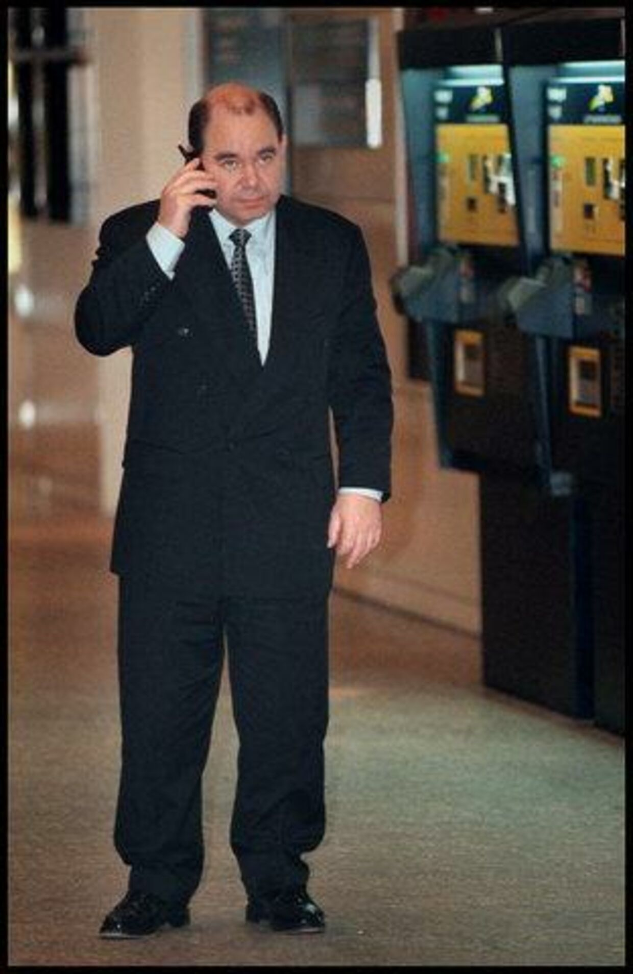 Et nederdrægtigt elektronisk finger-aftryk - dvs. en mobil-samtale - kan afsløre Kurt Thorsen som løgner.<br>Foto: Nils Meilvang
