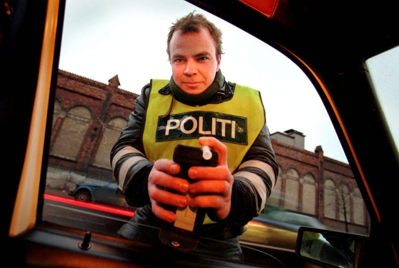 Færdselssikkerhedskommissionen præsenterede mandag en handlingsplan for sikker trafik frem mod 2020. I idékataloget kan man blandt andet finde et forslag om at følge det svenske eksempel om at sænke grænsen for spritkørsel (arkivfoto).