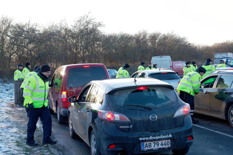 Politiet foretog torsdag formiddag en historisk totalkontrol, hvor alle køretøjer blev stoppet to steder på øen.
