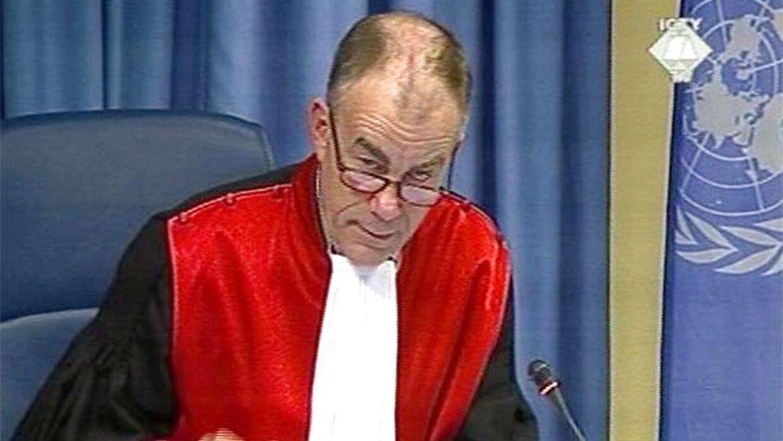 Den internationale dommer Frederik Harhoff siger tingene ligeud.
