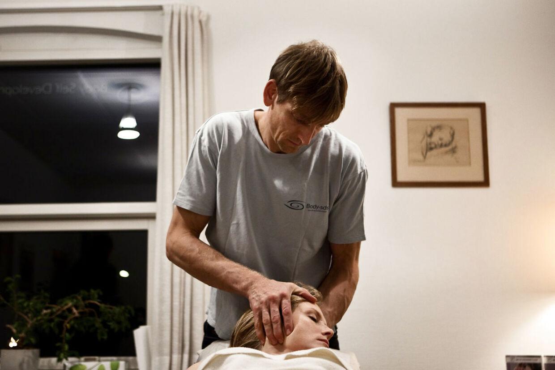Bengt Valentino Andersen er tiltalt for at arbejde som kiropraktor uden autorisation.