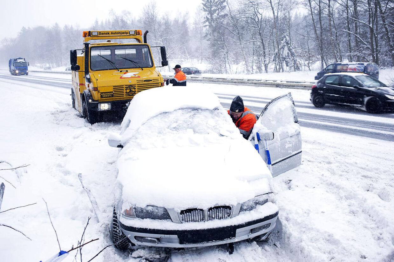 Dansk Autohjælp har hjulpet over 500 med at få startet bilen onsdag morgen (arkivfoto)